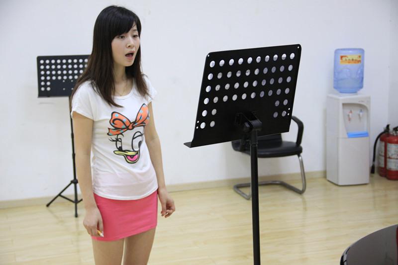 声乐歌唱需要注意的几点技巧