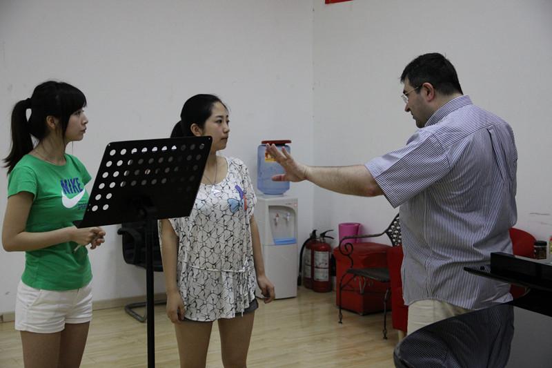 声乐学习过程中的注意事项
