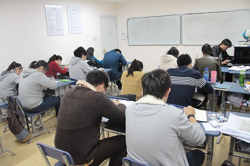 考试测验是检验专业知识的标尺