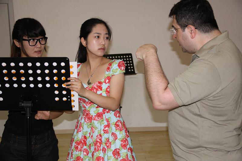 摆脱音乐教学误区 国韵推动音乐素质教育