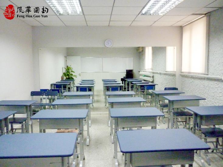 國韻全校師生深刻哀悼玉樹地震遇難同胞