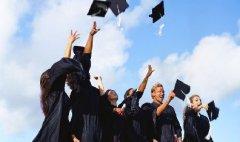 """优秀学生越来越多与中国高考""""决裂"""""""