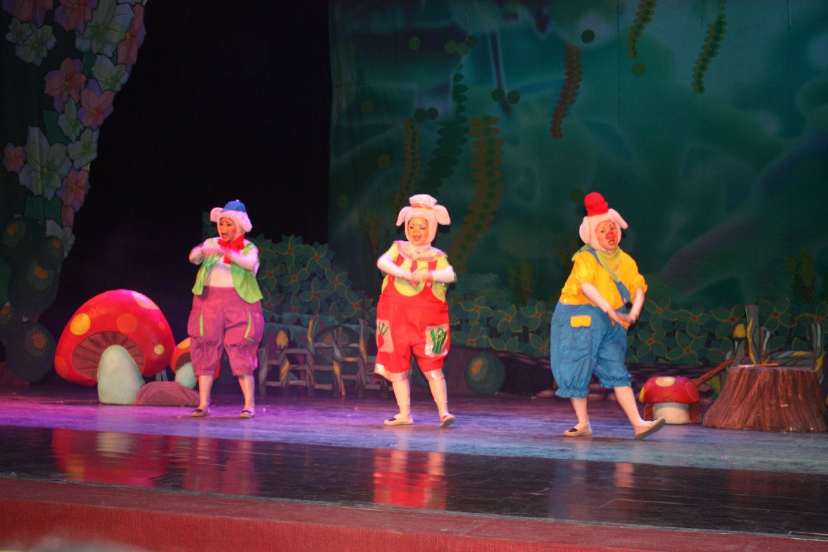 儿童剧《三只小猪》