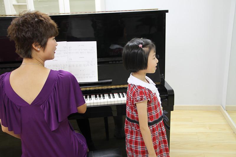 风华国韵老师解析少儿声乐培训要领