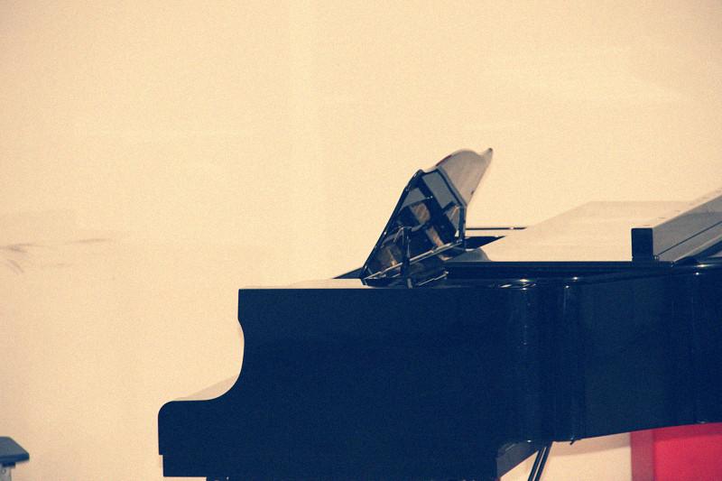 如何使孩子喜欢弹钢琴
