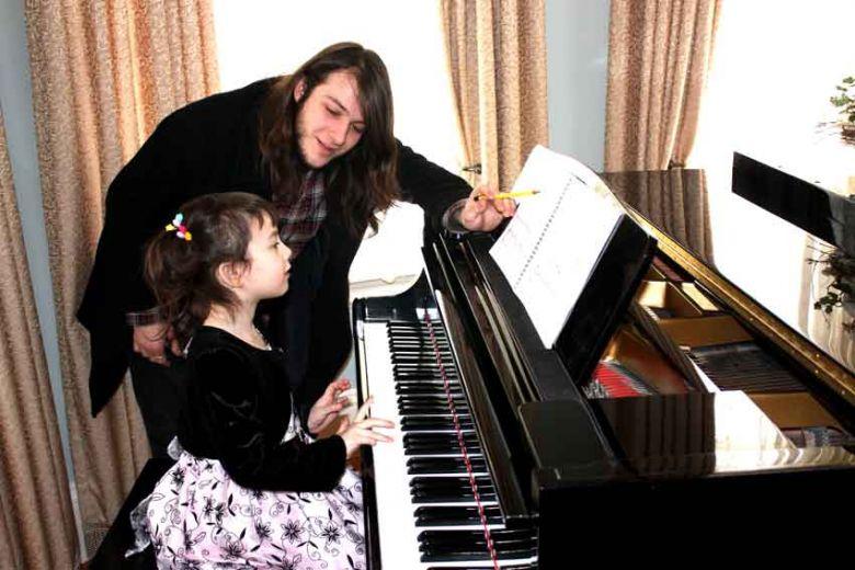 小朋友学钢琴应注意的几个问题