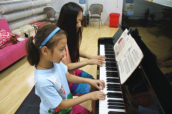 风华国韵老师关于少儿钢琴教学中的几点思考