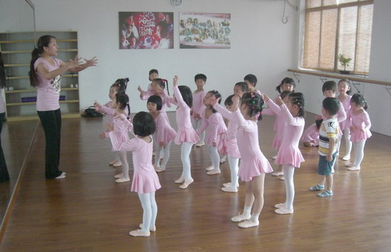 风华国韵老师谈舞蹈在少儿艺术教育中的作用