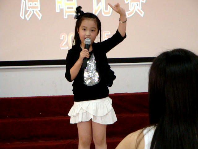 如何讓孩子保持正確的演唱姿勢?