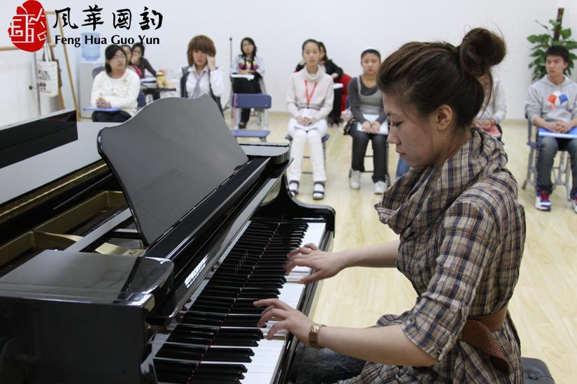 喜報:祝賀我校4名學員通過上海音樂學院聲樂表演初試