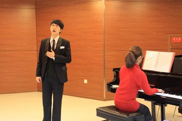声乐培训中声乐呼吸纠正方法
