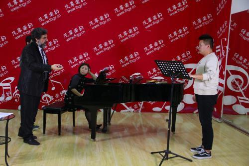 学声乐需要多少钱?