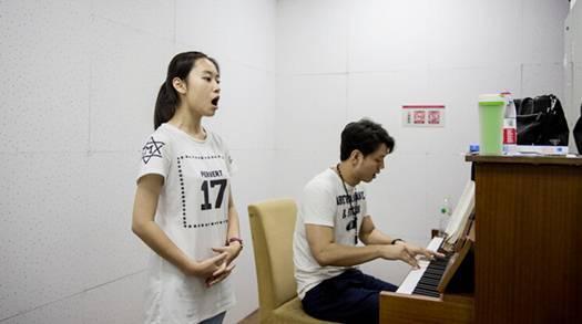 上海学钢琴的机构哪个好?