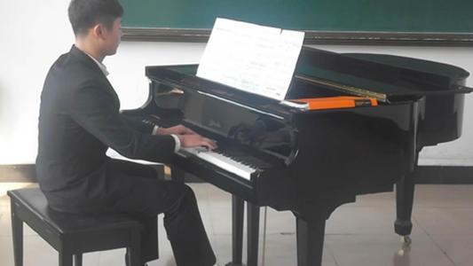 牡丹江鋼琴學校哪家好?