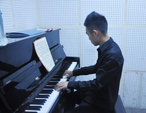 商丘钢琴班哪家专业?
