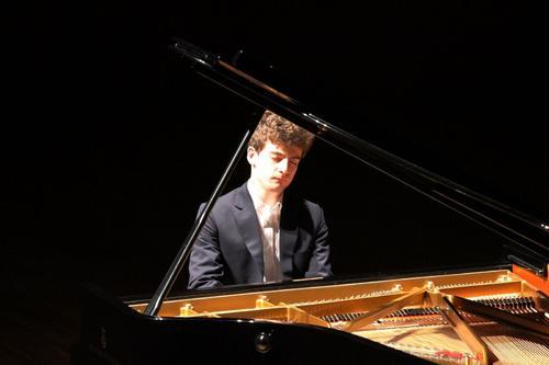 牡丹江钢琴课多少钱一节?