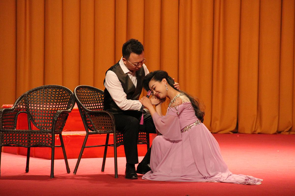 著名男高音周強攜弟子走進北工大 歌劇藝術讓現場觀眾大開眼界