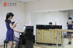 音乐艺考班视唱与声乐汇报专业技能测试