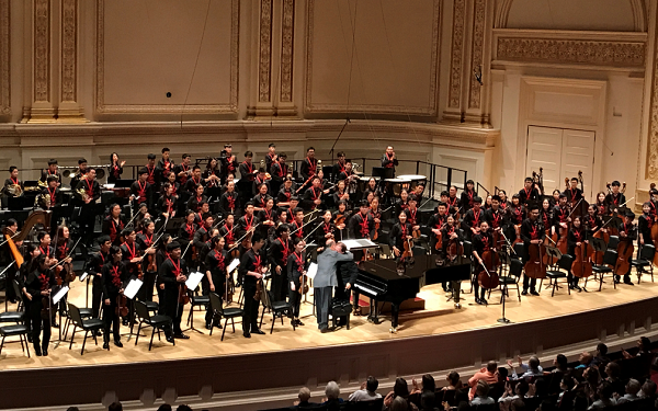著名华人作曲家周龙管弦乐《鼓韵》在纽约上演
