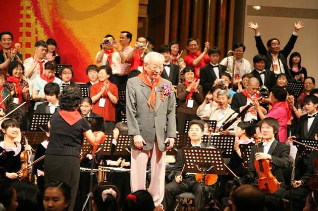 指揮家黃飛立去世 一代大師為莘莘學子打開音樂之門