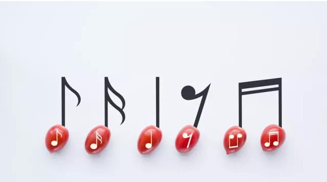 在声乐学习视唱训练中应注意以下几点: