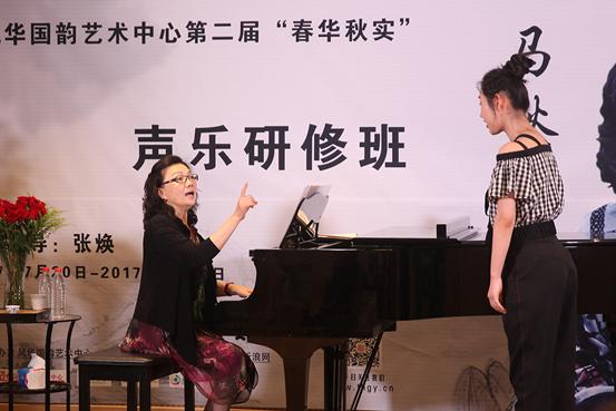 歌唱技巧:聲樂學習時聲樂演唱從不是大聲喊叫