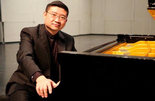 声乐教育专业与声乐表演专业教学重点的比较