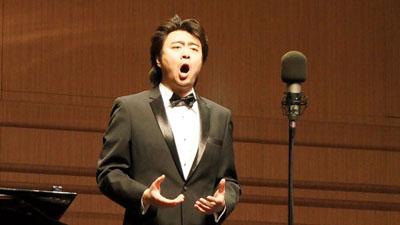民族唱法對美聲唱法深呼吸的借鑒