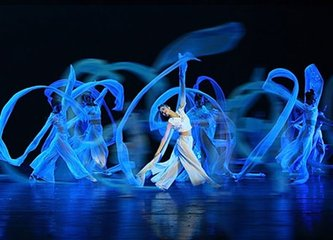 舞蹈学院培训班让小孩子参与舞蹈培训
