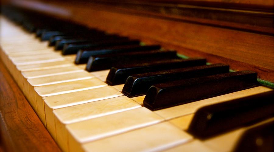 应该给孩子选择怎样的钢琴老师