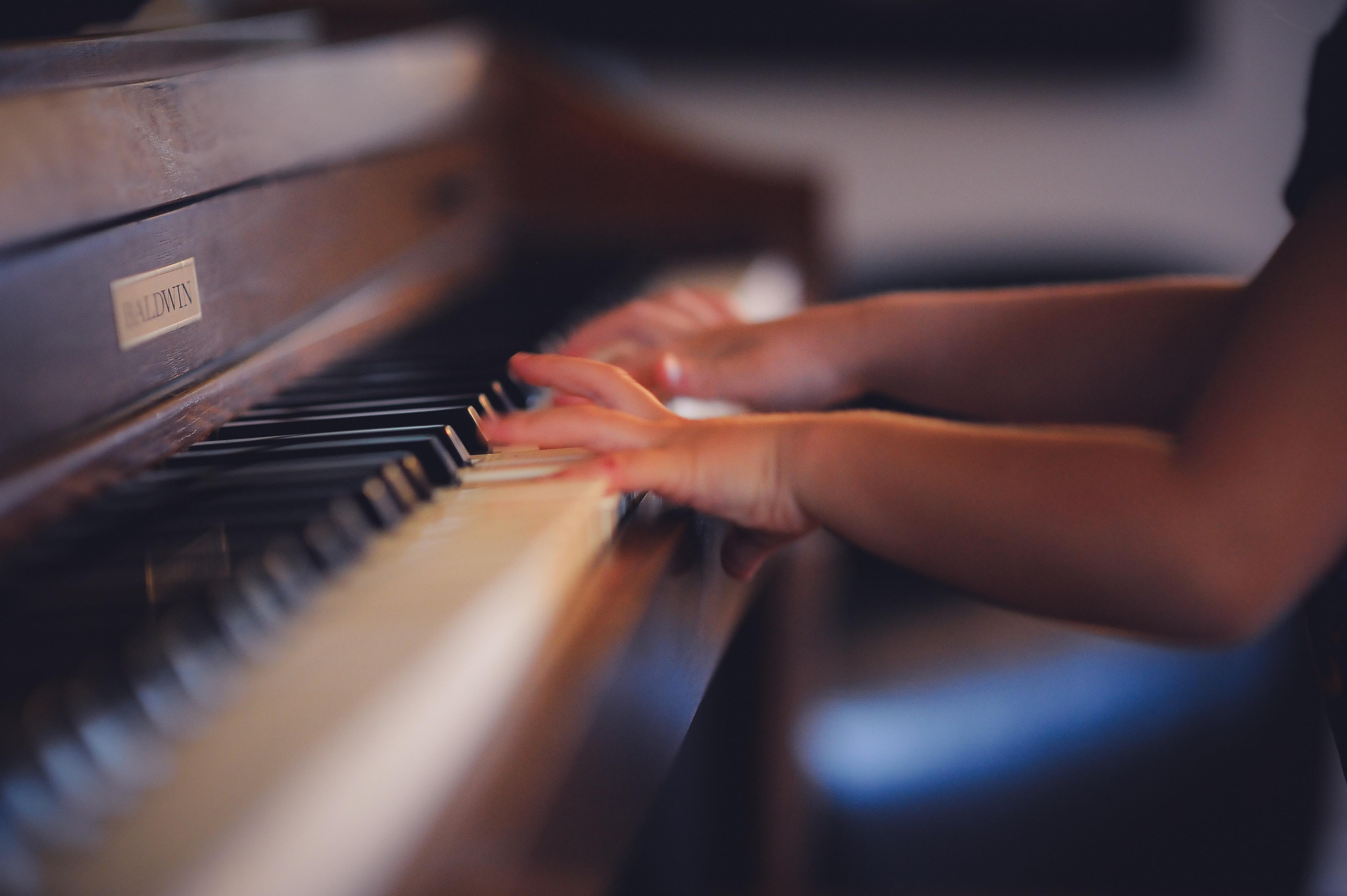 歌唱中力的关系