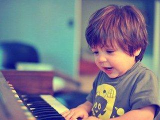 那种性格的孩子适合上钢琴课