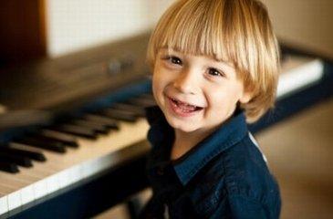 陪孩子练琴的家长应该注意什么