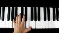 音程、和弦在钢琴演奏中的怎么训练?