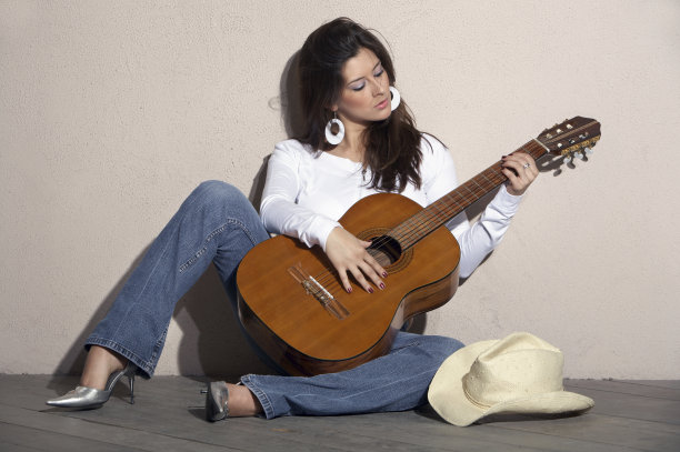 學吉他能否以此為生?