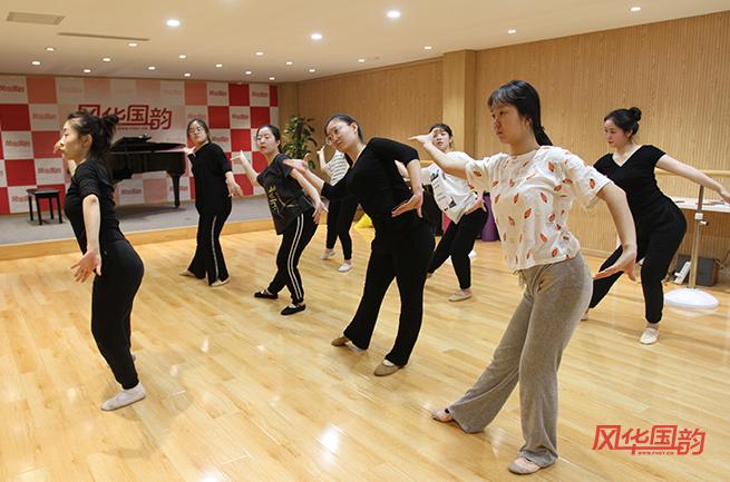 舞蹈艺考要怎么学?