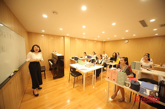 【上海音樂藝考培訓班】唱歌時如何正確使用氣息?