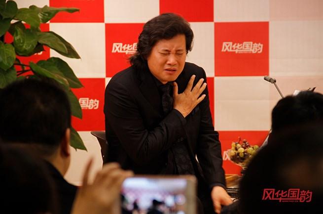 「上海徐匯區聲樂培訓機構」聲樂演唱時如何打開嗓子?