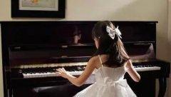 如何自学钢琴指法