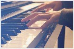 钢琴的声音能调大小吗